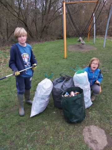 litter picking kids image